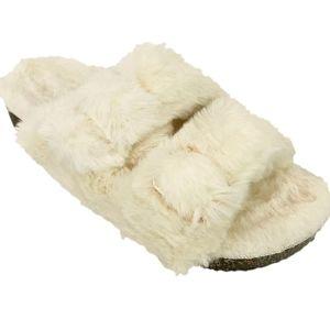 Faux Fur Women's Ivory Slippers. Size 9/10